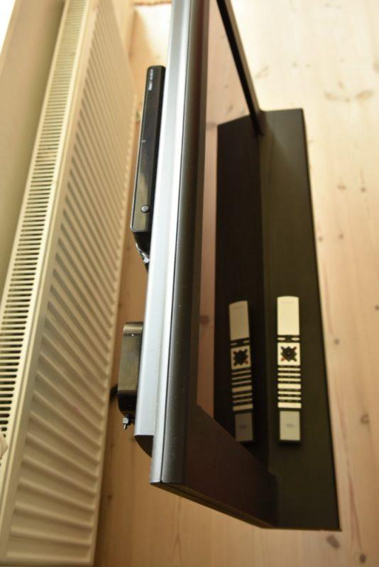 B&O genbrug. Nyt TV-signal. DVB/T2-box styres af Beolink-fjernbetjening